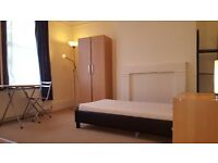 DOUBLE ROOM WITH ITS OWN KITCHEN AREA, INCL BILLS, Excellent Location, Close to Shops and Transport