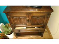 Small Oak Sideboard perfect for upcycling project