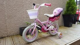 Girls cupcake bike with stablizers