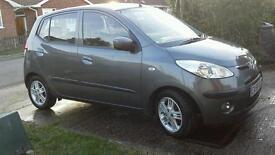 Car hyundai i10 style grey