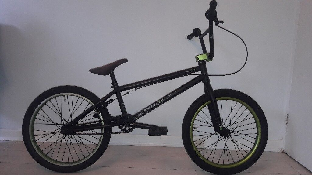 VERSUS WETHEPEOPLE BMX BIKE