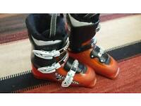 Salomon T3 Junior ski boots. Size 22/22-1/2 eu