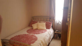 Cosy double Room By Richmond Bridge