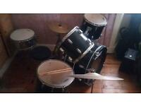 Peavey 5 Piece drum kit, cymbals & sticks