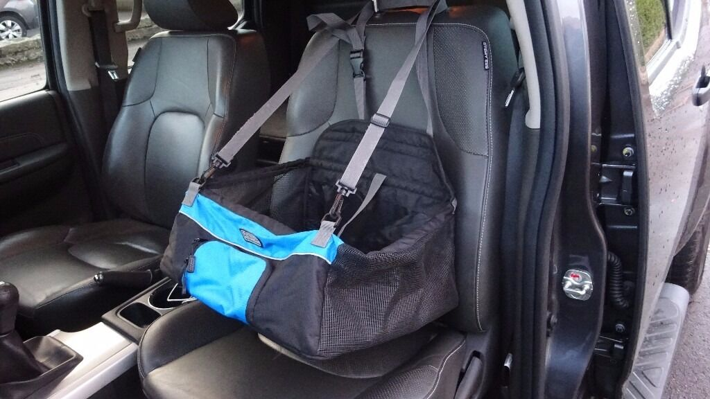Outward Hound Puppy Small Medium Dog Car Seat Booster With Harness Attachment