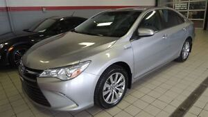 2015 Toyota Camry Hybrid XLE FULL TOIT-CUIR-MAGS-NAVIGATION