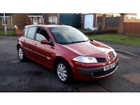 renault megane dynamique 1.4 petrol.5 door h/b. met red paint.mot,d october 2017.service history.