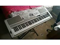 YAMAHA DGX 300 76 KEYS PORTABLE GRAND PIANO KEYBOARD