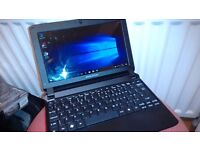 eMachines em350 Netbook / Excellent condition / Long battery life