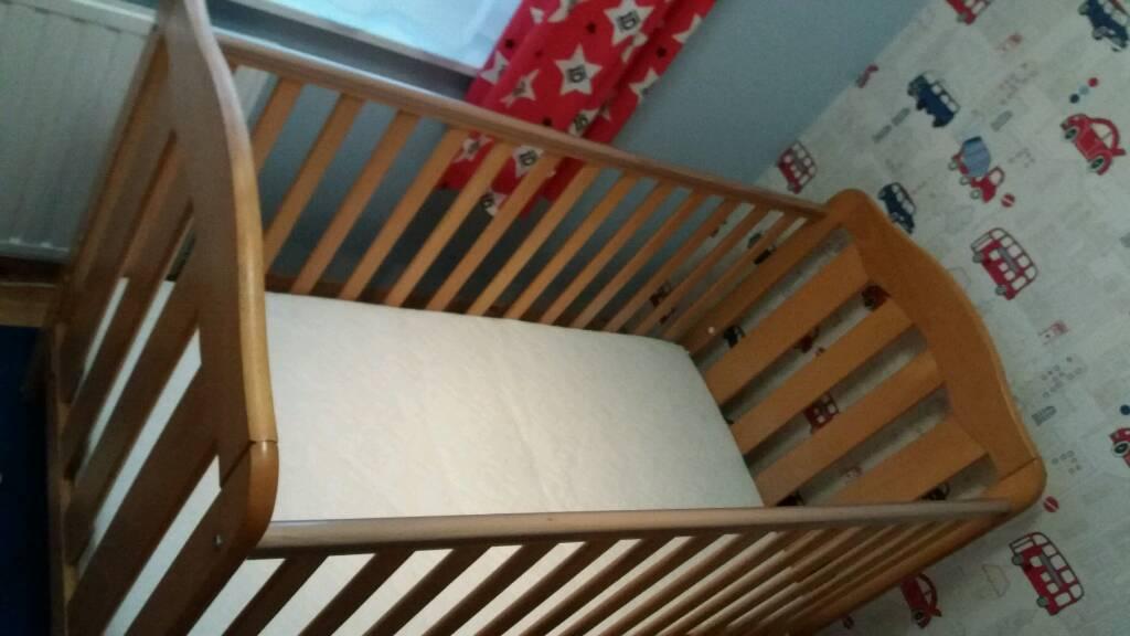 Cot/toddler bed-MAMAS AND PAPAS