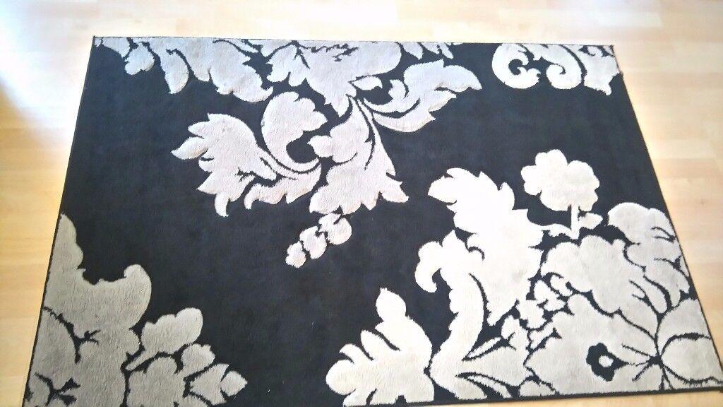 Black white an grey rug