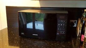 SAMSUNG ME731K/XEU Solo 800 watt Microwave, 20 litres - Black. Extended warranty till 2019