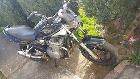 Suzuki bandit gsf 600 k1
