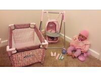 Graco swing and cot with doll and accessories excellent condition