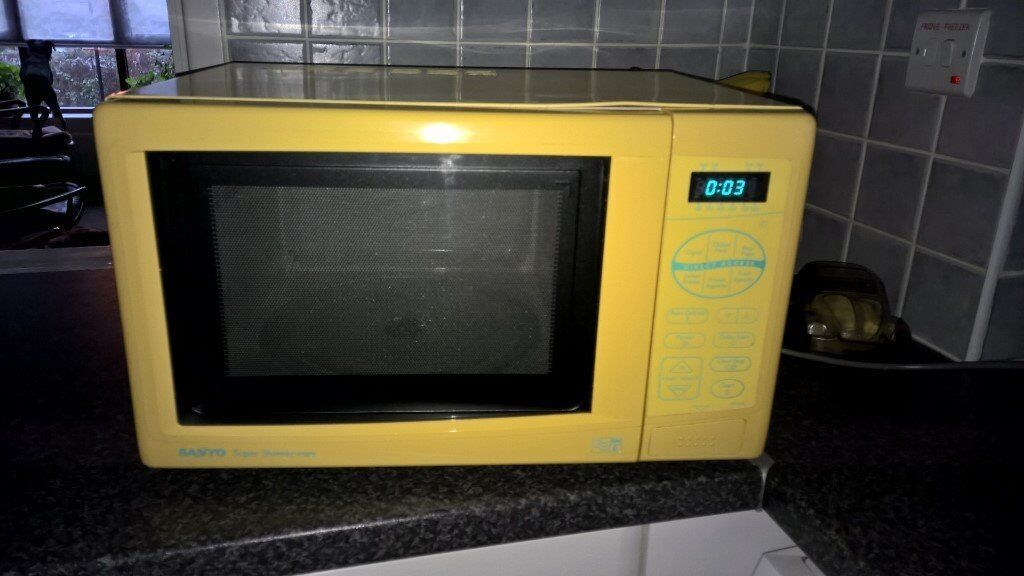 Yellow Microwave Oven ~ Yellow sanyo super showerwave microwave oven w gwo in
