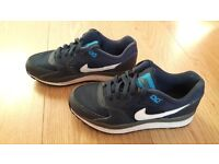 Boys Nike Trainers size 3.5