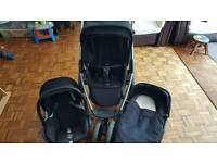 Maxi Cosi buggy, car seat and carry cot for sale