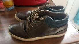 Boys boot leather size 6