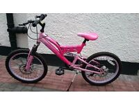 Girls dual suspension mountain bike, suitable to age 12/13. Good condition.