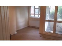 Beautiful large 3 bedroom Flat in Peckham Rye Opposite Common