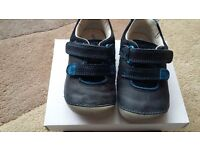 Clarks boys pre-walker shoes size 4.5F