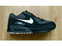 Nike air Max 90 essential size 9