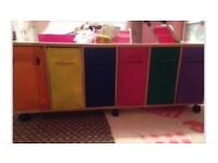 CHILDRENS STORAGE UNIT WITH DRAWERS
