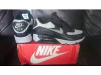 Nike Air Max 90 New Size 8 Uk Mens Womens Trainers Shoe Black Grey
