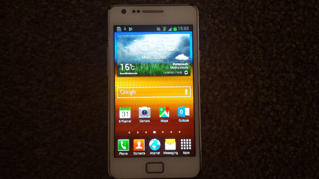 Samsung Galaxy S2 16Gb Ceramic White Boxed Unlocked Working Perfectly Lovely Condition Free Simin Southsea, HampshireGumtree - Samsung Galaxy S2 16Gb Mobile Phone in Ceramic White in lovely condition This phone has been well looked after from new, being always in a leather case and lives in a smoke free and pet free home. It is unlocked to any network so any Sim anywhere in...