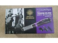NICKY CLARKE FRIZZ CONTROL 1200W BLOW DRY STYLER - BRAND NEW IN PACKAGING