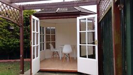 Beautiful Out Building / Office / Desk / Meeting Room Can be booked by the day £11 All Inclusive