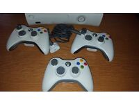 Xbox 360 & Kinect, 3 Controllers with 21 Games
