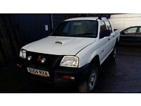 breaking white mitsubishi L200 4x4 double cab 4 work turbo diesel parts spares