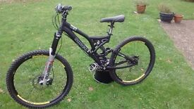 Norco 61 l mountain/downhill bike bike with full suspension, disc brakes in good condition