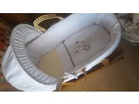 Unisex moses basket with rocking stand