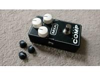 MXR super comp guitar effects compression pedal