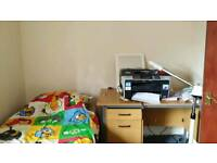 2 rooms to rent near college lane.