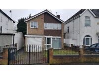 £750 - Spacious Detached 3 bedroom house To Let - Goldthorn, wolverhampton