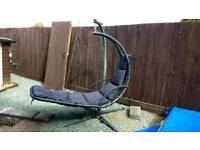 Swinging hammock