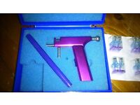 BASIC EAR PIERCING KIT GUN PURPLE WITH CASE PEN AND 4 NEW STUDS