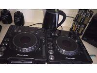 Pioneer CDJ1000 (pair) Newmark Mixer