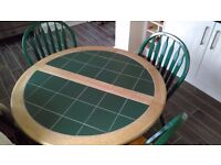 Quality extending kitchen table and four chairs