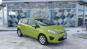 2012 Ford Fiesta SE W/ SUNROOF-ALL IN PRICING-$81 BIWKLY+HST/LIC