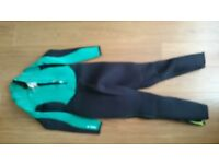 Child's Wet Suit (age approx 12 years)