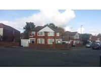 Fantastic 3 Bedrooms Semi detached house in M8 9LE Cheetham Hill Manchester to LET + 2 living rooms