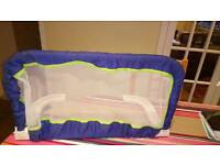 Child's bed safety rail