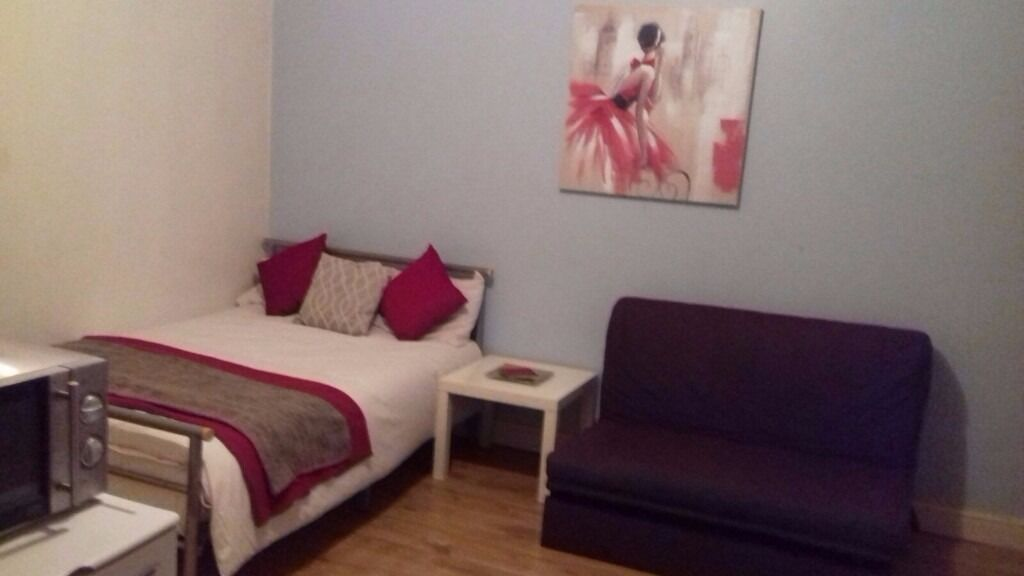 Double studio room Leeds Headingley / all bills included and fully furnished