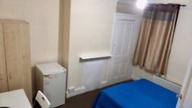 Double room in wood green