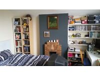 FANTASTIC 1 BED CLIFTON FLAT QUIET LOCATION OFF BLACKBOY HILL PRIVATE PARKING