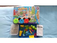 Crazesand CASTLE playset.USED ONCE everything incl